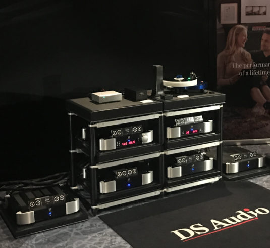High End Audiophile Amplifiers And Sound Systems | MOON
